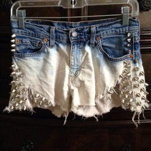 Levis 529 studded distressed shorts sz29